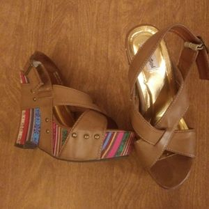 Not Rated tan heeled sandles wedges rainbow